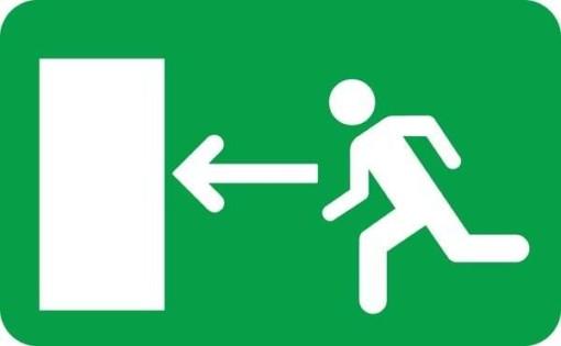 Exit mod venstre Skilt