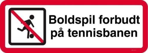 Boldspil forbudt på tennisbanen skilt