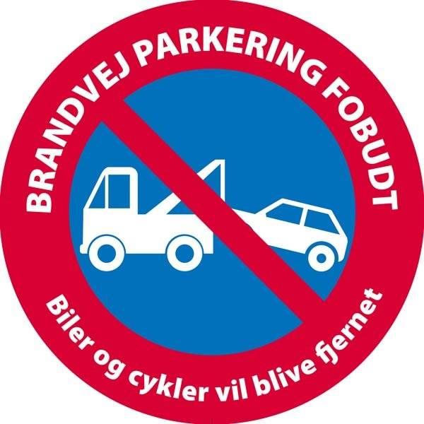 Brandvej parkering forbudt Biler og cykler vil blive fjernet skilt
