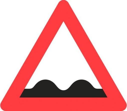 Advarselsskilt - Ujævn vej