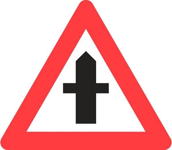 Advarselstrekant - Farligt vejkryds skilt