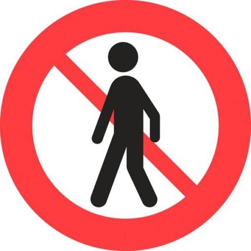 C26 Fodgængere forbudt. Forbudsskilt