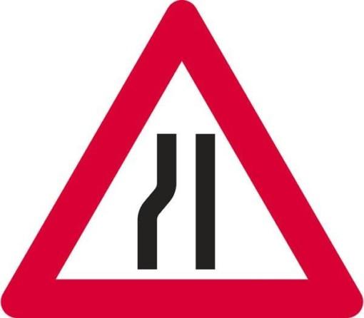 Advarselsskilt - Indsnævring i venstre side