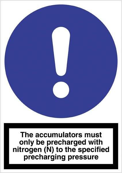 P72 The accumulators must... Skilt