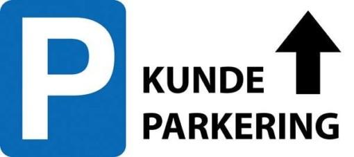 P Kundeparkering med pil frem skilt