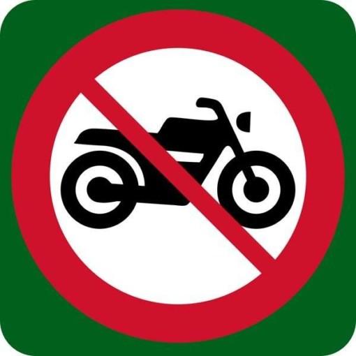 Motorkørsel forbudt skilt