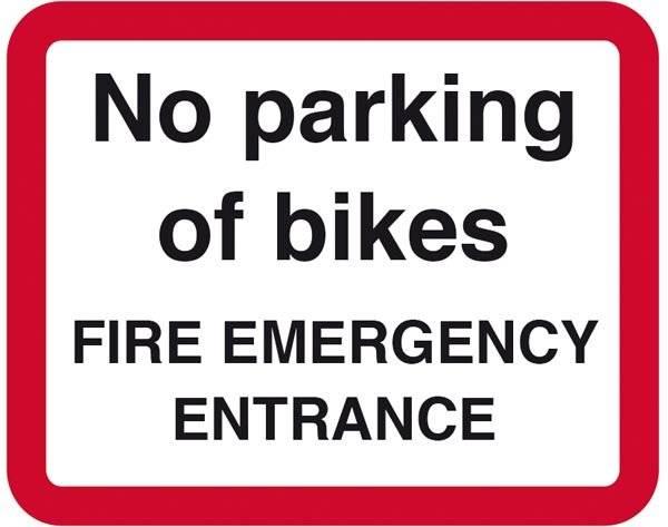 No parking of bikes FIRE EMERGENCY ENTRANCE. Parkeringsskilt