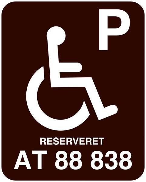 P Handicap reserveret xxxxxx . Parkeringforbudt skilt