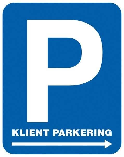 P Kunde parkering med pil. Parkeringsskilt