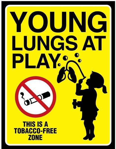 Young Lungs at Play. Rygeforbudsskilt