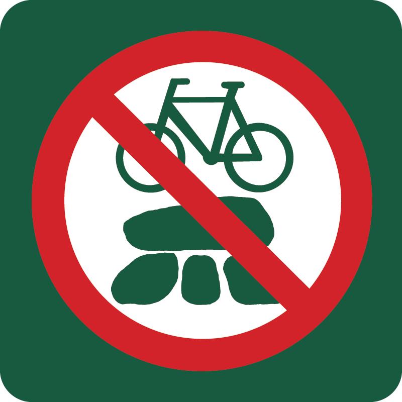 Cykling på gravhøje forbudt Naturstyrelsens skilt