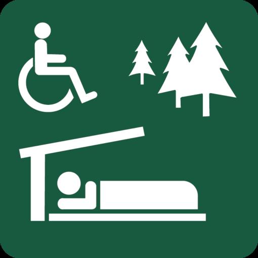 Handicapvenlig overnatningsplads med shelter Naturstyrelsens skilt